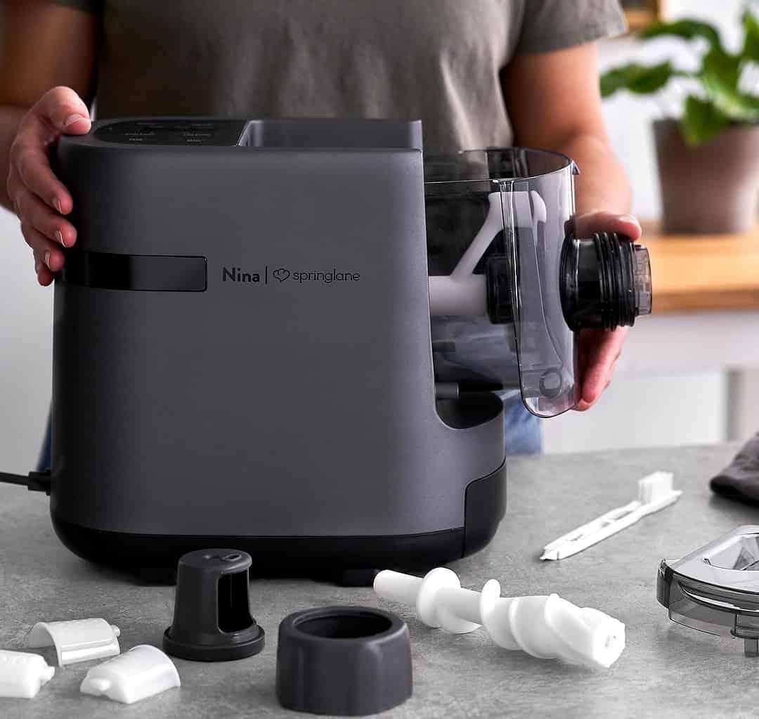 Nina de Springlane Kitchen. Máquina eléctrica para hacer pasta y fideos.